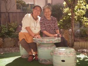 『祖母の庭にて』